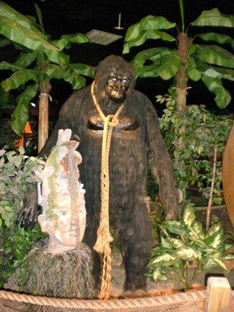 Treasure Quest Miniature Golf: Poor gorilla