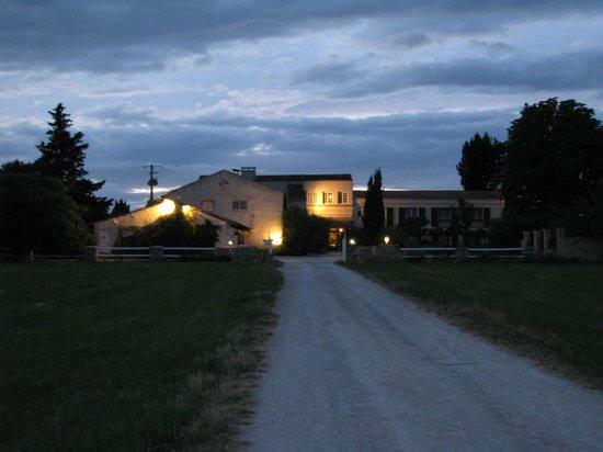 Auberge du Mas de la Feniere: Dusk at Mas de la Feniere