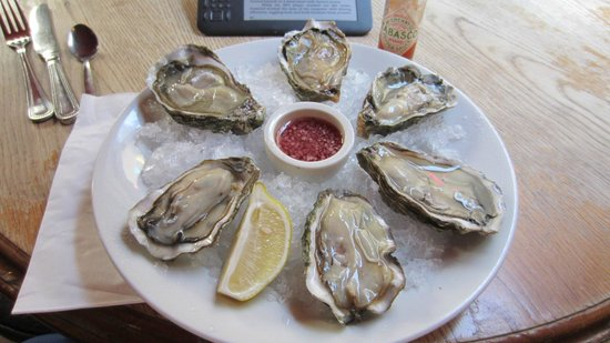 The Bath Arms: Oysters from jersey, delicious.