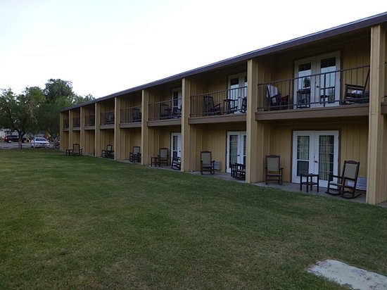 The Oasis at Death Valley: View of standard rooms