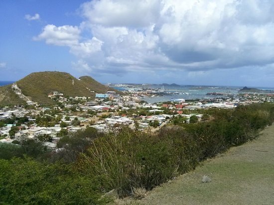 Twin Island Excursions: Overlooking the island