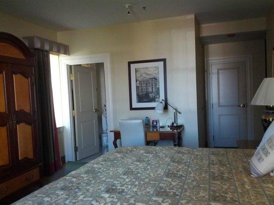 Hotel Providence: Room 402