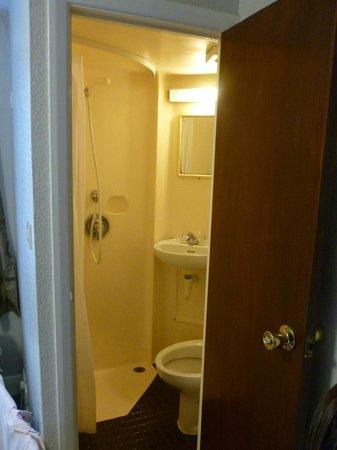 Lords Hotel: El baño de autocaravana