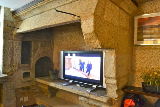 Hotel Alda Algalia: sala tv