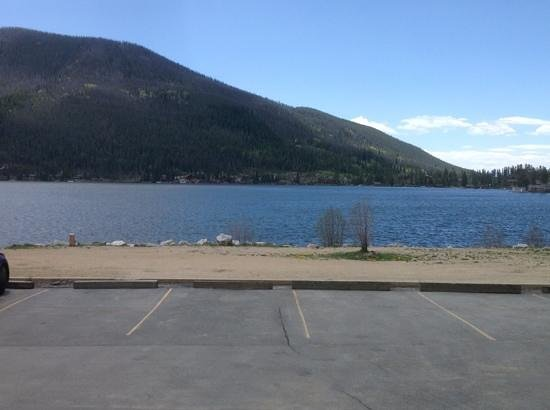 Western Riviera Lakeside Lodging & Events: view of the lake from our door