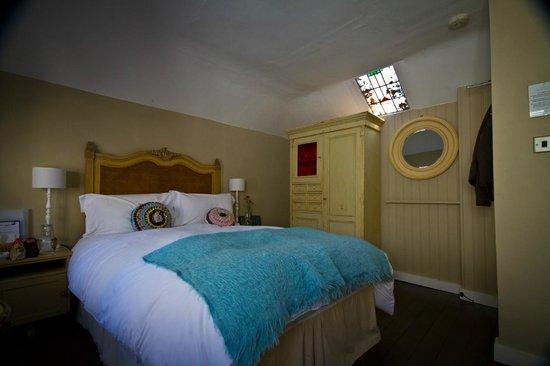 Swan House: Bedroom