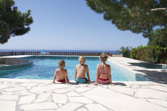 Ferma Solaris Apartments : pool