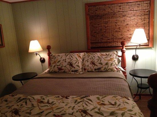 Birders Haven: Guest house bedroom