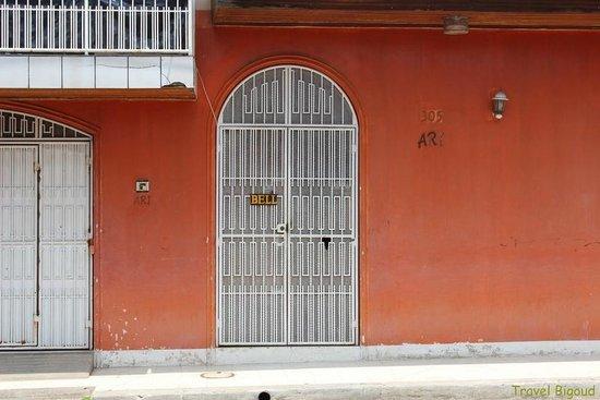 Hospedaje ARI: Entrance