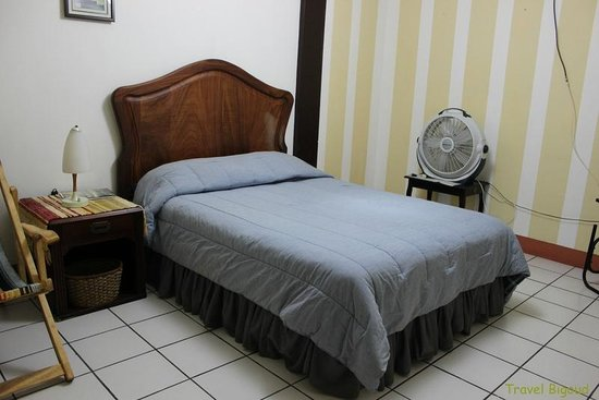 Hospedaje ARI: Double room N°3