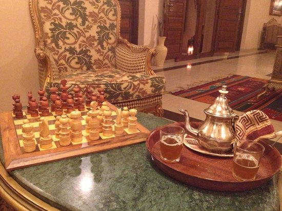 Albakech House: Mint tea and chess :)
