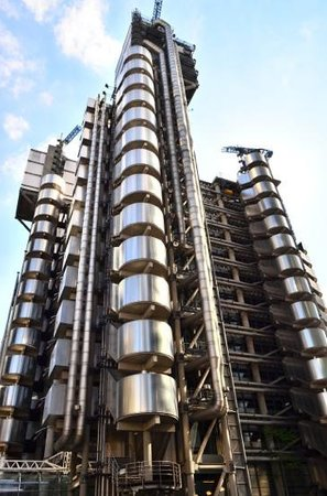 Lloyds of London: Lloyds bank.