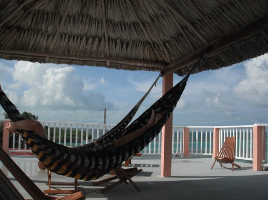 Caye Caulker Condos: Loved the hammocks