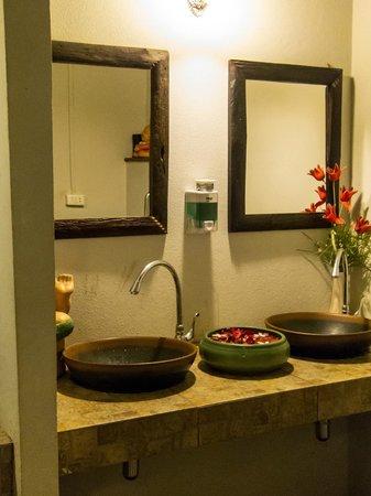 Moommai Restaurant : Herrentoilette