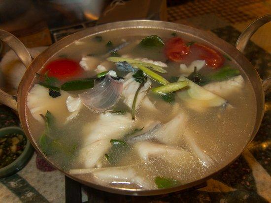 Moommai Restaurant: Tom Yam Plaa