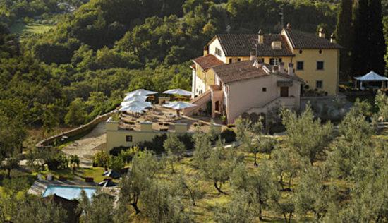 Villa Morelli: in campagna ...a due minuti dal centro di Arezo