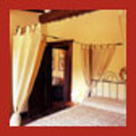 Villa Morelli: la suite gialla