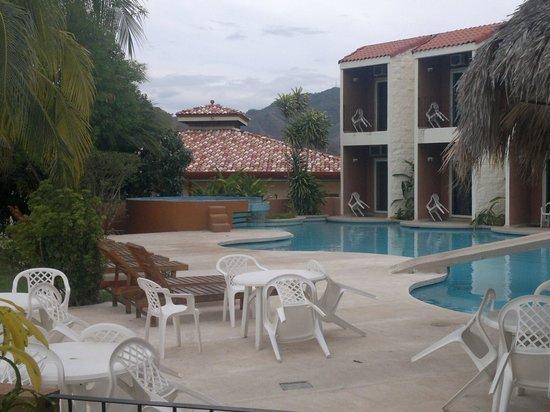 Paradise Flamingo Beach: Blick auf den Pool 1