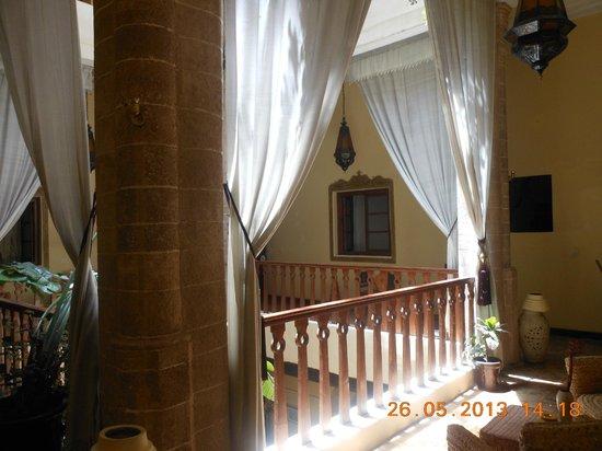 Les Terrasses d'Essaouira: Vue intérieure du riad niveau 1er étage