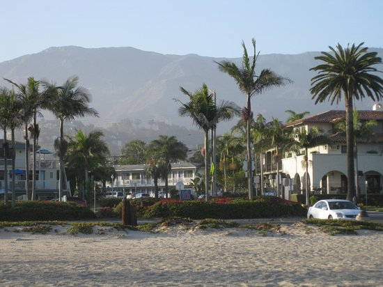 Motel 6 Santa Barbara - Beach: Motel 6 from the beach