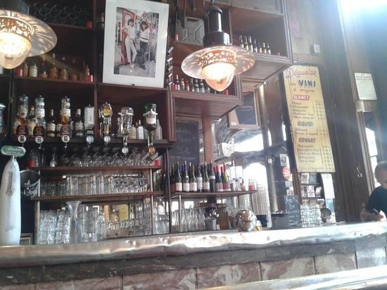 Cafe Charbon : L'interno