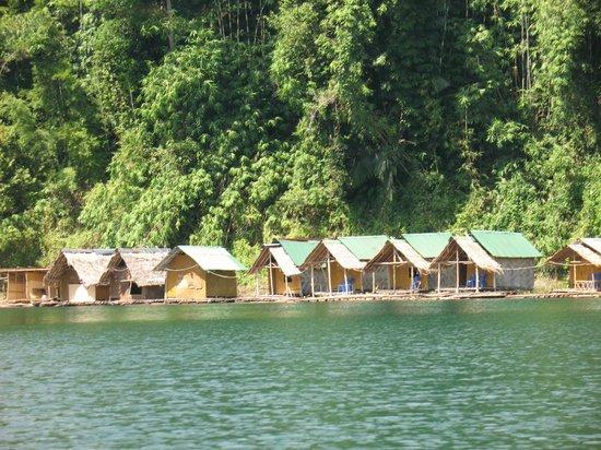 Ton Tuey Floating Raft Houses: Raft houses