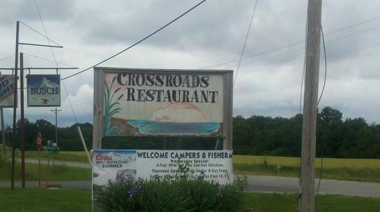 Keyesport, IL: Crossroads Restaurant & Lounge.