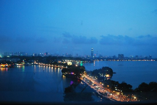 Pan Pacific Hanoi: Night view from the room