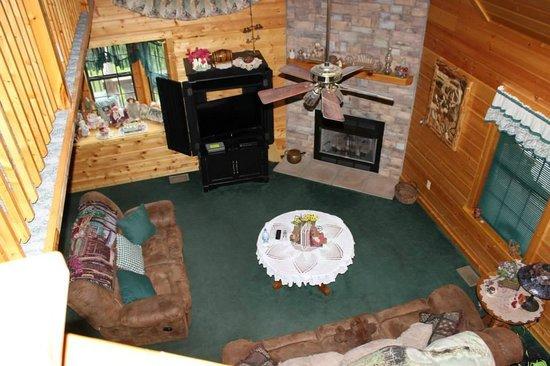 High Valley Rentals: Living Area