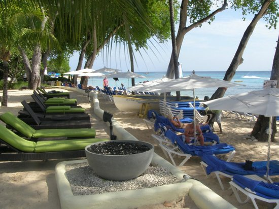 Tamarind by Elegant Hotels: No need to reserve a place to lounge
