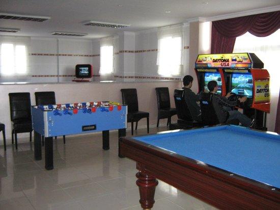 Begovil Otel: Oyun Salonu