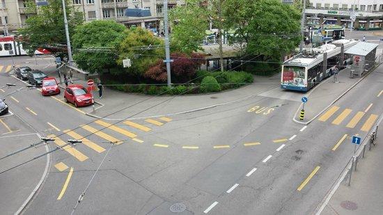Hotel Neufeld: Goldbrunnenplatz vom Balkon aus gesehen