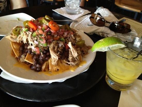 Tommy O'S Pacific Rim Bistro : Kahlua Pork Nachos with a Mango Margarita!