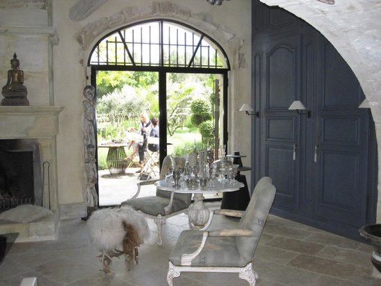 Domaine Les Roullets : The Salon