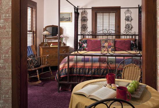 Cliff Cottage Inn - Luxury B&B Suites & Historic Cottages: R.L.Stevenson Suite
