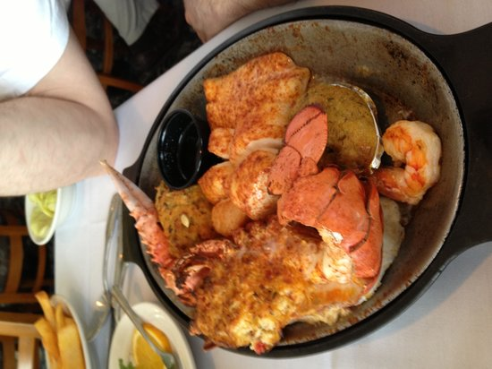 The Crab Trap : 2 Mate Broiled split stuffed lobster, stuffed shrimp, scallops, deviled crab