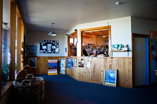Dusky Lodge & Backpackers: Reception