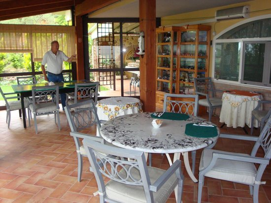 Villa Trasimeno: Breakfast room