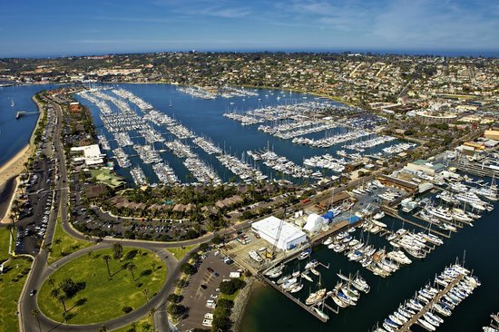 Bay Club Hotel & Marina: Aerial View of Shelter Island