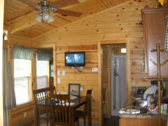Herkimer KOA Campground: Inside the main room of the lodge