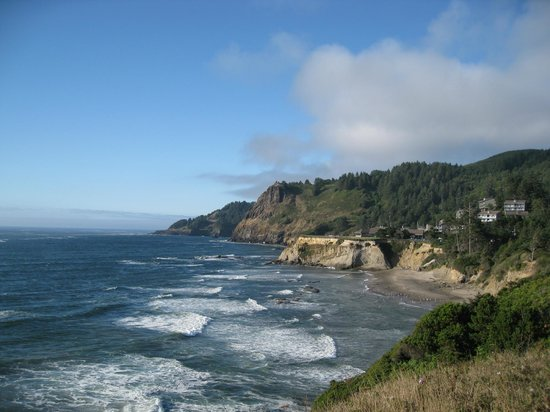 Depoe Bay, OR: Otter Crest Loop - rugged coastline
