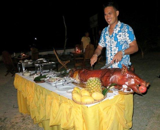 Pura Vida Cabilao: Dinner on the beach