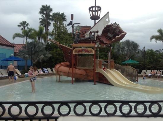 Disney's Caribbean Beach Resort: pirate kid pool
