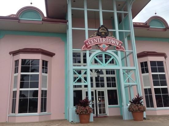 Disney's Caribbean Beach Resort: port royal