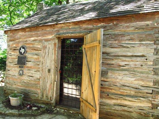 Zilker Botanical Garden: A Swedish Cabin