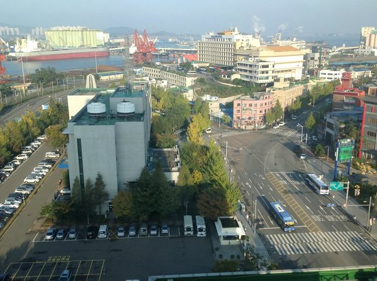 Harbor Park Hotel : Incheon city from our room