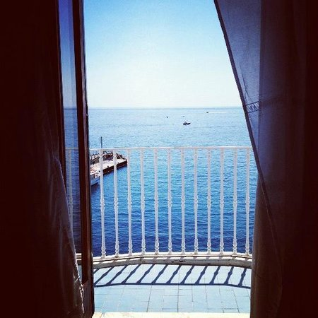 Camere con vista: View of my balcony from my bed
