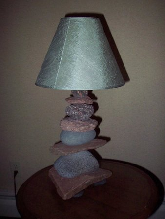 BEST WESTERN Plus Superior Inn & Suites: Rock lamp