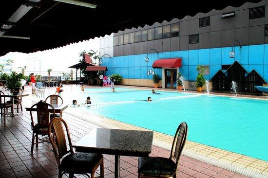 Hotel Selesa Johor Bahru: nice swimming pool