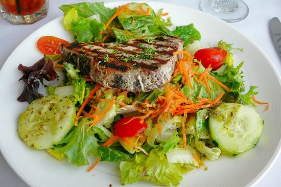 tuna steak salad picture of bon appetit restaurant seaford tripadvisor. Black Bedroom Furniture Sets. Home Design Ideas